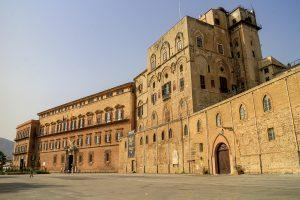 Palacio de los Normandos y Torre Pisana